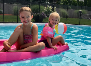 Girls_Pool_Canoo_July19